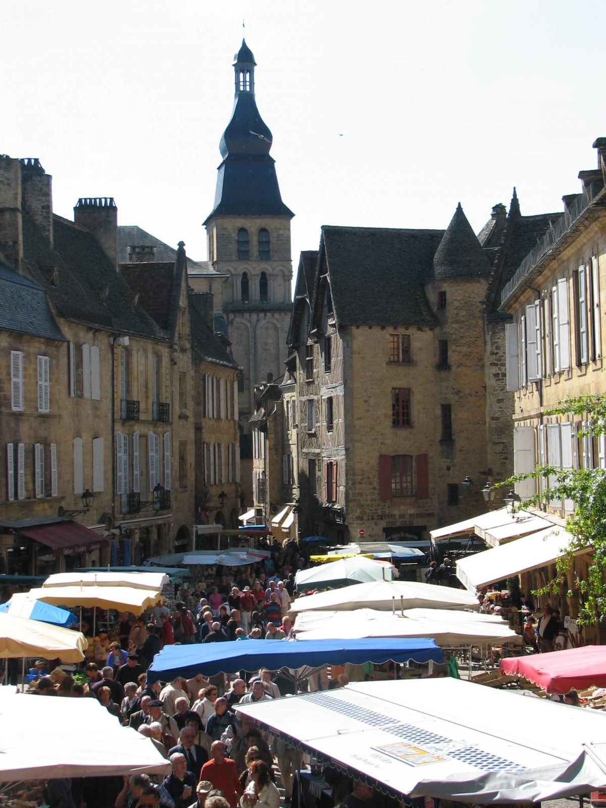 We Offer Quality Holiday Rental Accommodation With Private Swimming Pools,  In The Beautiful Regions Of The Dordogne ...