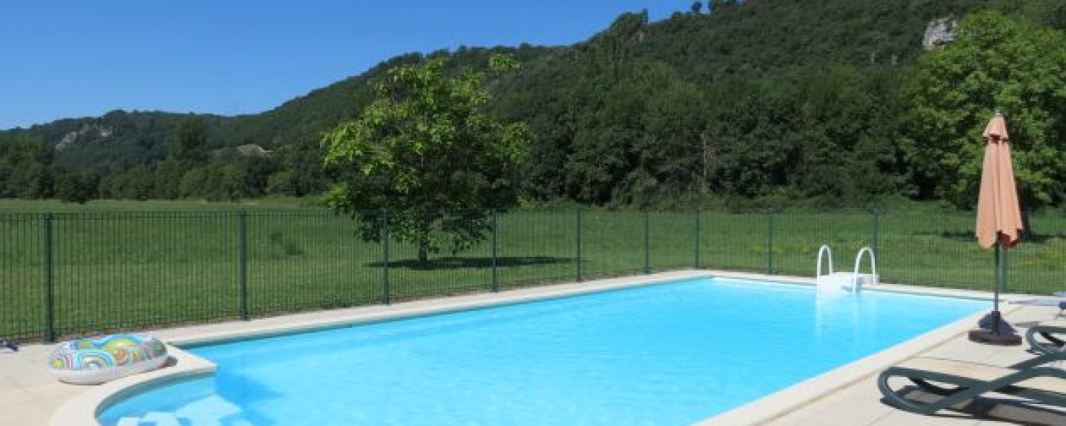 Holiday Rental Accommodation Private Swimming Pools Dordogne Lot South West France